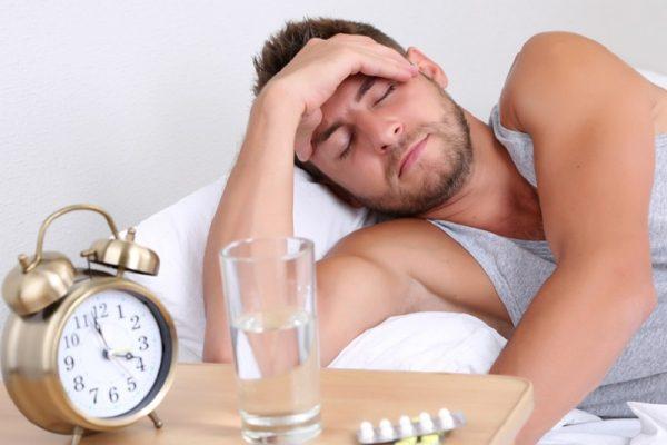 مهمترین علل به وجود آورنده سردرد صبحگاهی
