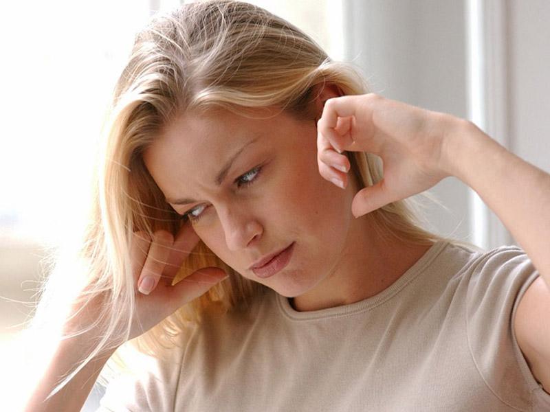 وزوز گوش نشانه چیست و آیا درمان قطعی دارد؟