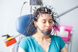 اثر EEG در تشخیص دکتر مغز و اعصلب