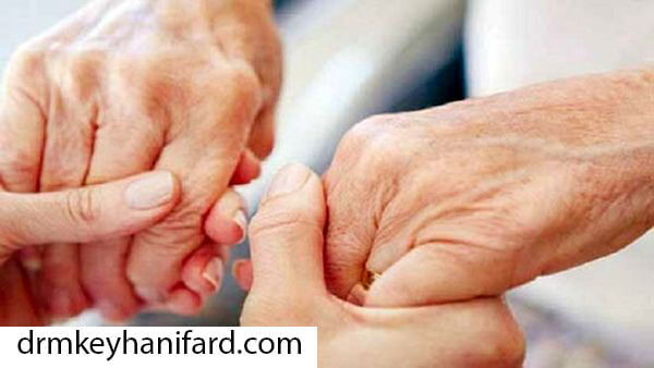 لرزش دست – چرا دستم می لرزد