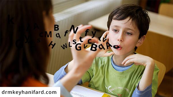 لکنت زبان در کودکان، علائم، پیشگیری، درمان